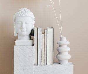 Asiatische Wohnungseinrichtung vermittelt ein entspanntes Lebensgefühl