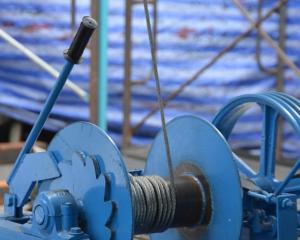 Read more about the article Elektrische Seilwinde zur Wand- und Deckenmontage
